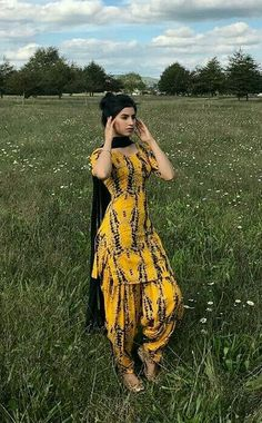 HappyShappy - India's Own Social Commerce Platform Indian Designer Suits, Indian Suits, Punjabi Suits, Indian Wear, Punjabi Dress, Patiala Suit Designs, Kurti Designs Party Wear, Salwar Designs, Blouse Designs