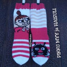 Join in the world of pin Knit Or Crochet, Lace Knitting, Knitting Socks, Knitting Patterns, Patterned Socks, Wool Socks, Moomin, Kids And Parenting, Mittens