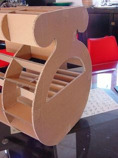 Totoriel meubles carton on pinterest cardboard furniture for Meuble carton tuto