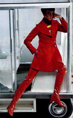 L'Officiel Magazine 1968, Louis Féraud 60s red coat patent leather go go boots model vintage fashion