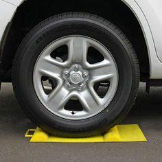Makes precision parking easierSuits all passenger cars & trucks.
