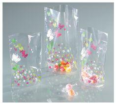 Zellglasbeutel eigenen sich hervorragend zum Verpacken von eigenen Plätzchen oder Süßigkeiten. Eine edle und saisonal anpassbare Verpackung für Ihr Geschenk. Mehr unter www.folia.de
