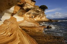 Unusual Rock Formations from Around the Globe; Painted Cliffs, Tasmania