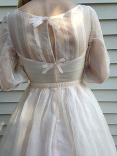 Charming Vintage 1950's Dress with Sweetheart Neckline-Bridal/Cocktail