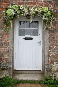 Cottage door with hydrangea garland Back Doors, Entry Doors, Garage Doors, Garage Entry, Exterior Doors, Cottage Front Doors, Cottage Door, Front Door Colors, Front Door Decor