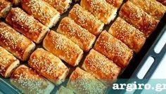 Xωριάτικη τυρόπιτα με σπιτικό φύλλο με μαγιά από την Αργυρώ Μπαρμπαρίγου | Σπιτική πίτα με χωριάτικο φύλλο και τυρί, αφράτη τραγανή και πεντανόστιμη! Caesars Salad, Greek Sweets, Pie Recipes, Hot Dog Buns, Banana Bread, Biscuits, French Toast, Vegetarian, Cookies