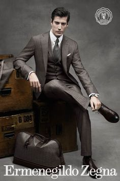 Enter the world of Ermenegildo Zegna and discover our menswear collections: suits, jackets, shoes and accessories for formal and casual occasions. Style Gentleman, Gentleman Mode, Dapper Gentleman, Mode Masculine, Sharp Dressed Man, Well Dressed Men, Fashion Mode, Mens Fashion, Suit Fashion