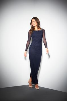 Shop our collection of stylish women's dresses and discover a range of pieces to suit every taste. From bodycon dresses, to loose-fitting maxi styles that are perfect for summer, we've got everything you need to build a trendy and dynamic wardrobe. Navy Maxi, Maxi Styles, To Loose, Bodycon Dress, Winter 2017, Formal Dresses, Stylish, Autumn, Shopping