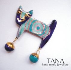 Ceramic brooch Mirko multicolored cat and bowls with by Tanaart