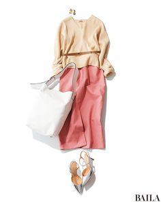 冬コーデに飽きてきたら、いつものニットに春らしいピンクスカートを合わせて鮮度を上げて。ライトベージュニットなら、明るくて女っぽいカラーリングがスプリングムードをさらに高めてくれます。トップスをボトムアウトするなら、細めベルトをニットの上からオン。ウエストマーク効果で、ぐっと脚長見・・・