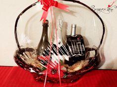 Esta navidad... regala vino de calidad y al mejor precio!!  CANASTA NAVIDEÑA  Asti - Italiano - Espumoso  Lambrusco - Italiano - Tinto espumoso Rioja - Español -Tinto  OFERTA!!!  $665.00 MXN  *Envío a domicilio.