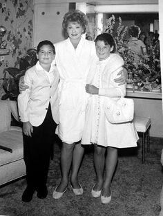 Lucille Ball, with children Lucie Arnaz and Desi Arnaz, Jr. I Love Lucy, My Love, Hollywood Stars, Classic Hollywood, Old Hollywood, Lucie Arnaz, Divas, Queens Of Comedy, Lucille Ball Desi Arnaz