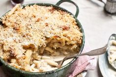 Cheesy macaroni, pancetta and pecorino bake