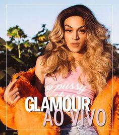 Sim é ela! A poderosa e grande-sensação-do-momento @pabllovittar já está chegando para bater um papo superdescontraído com a gente no #GlamourAoVivo que vai começar mais cedo ao meio-dia. Ela vai falar sobre sua carreira que está bombando e você acompanha tudo no nosso http://ift.tt/MtJS6s. Corre lá pra ver e mande suas perguntas pra gente (: @felpflores)  via GLAMOUR BRASIL MAGAZINE OFFICIAL INSTAGRAM - Celebrity  Fashion  Haute Couture  Advertising  Culture  Beauty  Editorial Photography…