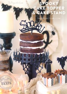 Spooky Halloween Cake Topper and Cake Stand made with Cricut Explore -- The Project Girl. #DesignSpaceStar Round 3