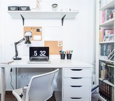 Design books in BILLY bookcase | Documents in LINNMON / ALEX desk | How fashion stylist Begoña organises her office in Valencia | live from IKEA FAMILY