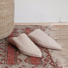 A beautiful slide for the warmer days ahead, and according to Vogue a top look for Spring/Summer 2017. Each pair of our babouches is made by hand in Fez with high quality leather in the centuries-old tradition. These classic slippers are worn all over Morocco by both men and women. Leather upper with leather sole. We suggest adding a topy (rubber sole) if you plan to wear them outdoors. If you have a wide foot please consider sizing up.