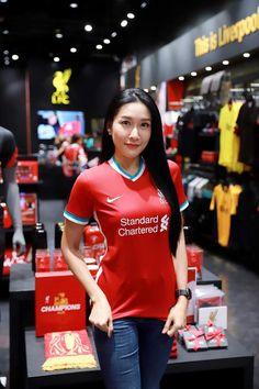 Liverpool Girls, Liverpool Fans, Good Morning My Friend, Pretty Asian Girl, Football Outfits, Fangirl, Champion, Beautiful Women