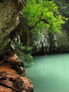 visitheworld: Blue lagoon near Railay beach in Krabi, Thailand (by BJ Hansen). Places To Travel, Places To See, Travel Destinations, Hidden Places, Krabi Thailand, Thailand Travel, Phuket, Foto Picture, Railay Beach