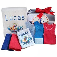 Personalised Bath Towel set Noahs Ark This gorgeous Noahs Ark personalised boy's bath towel and face cloth set is embroidered with the baby's name, this personalised baby gift hamper also contains 2 coloured face cloths, 3 x colourful matching baby single Bath Towel Sets, Bath Towels, Baby Gift Hampers, Boy Bath, Baby Suit, Baby Massage, Personalized Baby Gifts, Baby Design, Baby Names