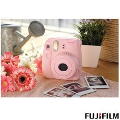 Câmera Instantânea Fuji Instax Camera Mini 8 Branca com Visor de Imagem Real e Foto em 6x9 cm