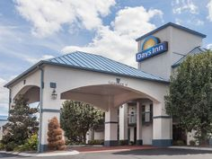 Goodlettsville (TN) Days Inn Goodlettsville United States, North America Stop at Days Inn Goodlettsville to discover the wonders of Goodlettsville (TN). The hotel has everything you need for a comfortable stay. To be found at the hotel are free Wi-Fi in all rooms, 24-hour front desk, facilities for disabled guests, express check-in/check-out, business center. Guestrooms are fitted with all the amenities you need for a good night's sleep. In some of the rooms, guests can find w...