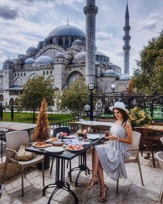🇹🇷Suleymaniye Camii-Feels like endless 1000 and 1 night fairytale Istanbul City, Istanbul Travel, Istanbul Guide, Visit Istanbul, Places Around The World, Travel Around The World, Around The Worlds, Places To Travel, Places To Go