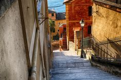 Discover the most epic places to visit in Northern Italy, from Milan and Venice to Ravenna and Padua: great cities, pretty towns, charming villages! Weather In Italy, Italy Culture, Slow Travel, Lake Garda, Visit Italy, Secret Places, Northern Italy, Lake Como, World Heritage Sites