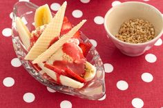 #Banana and #strawberry splits. #recipes #food #ice_cream #desserts