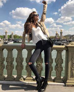 "dbd045a5f Izabel Goulart on Instagram  ""Paris 🇫🇷 Summer feelings ☀🙋🏻 Have a great  week everybody! Lindo dia! Desejo uma ótima semana a todos!"