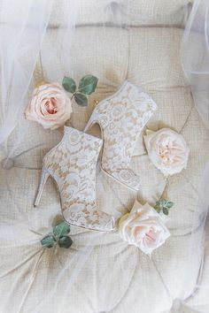 Want a ballroom wedding but also want a garden of roses at your reception? This luxurious New York City wedding shows us how you can achieve both! Held at The Pierre, Everything Fabulous For Your… Winter Wedding Shoes, Blush Wedding Shoes, Wedding Heels, Bridal Shoes, Wedding Show, Mod Wedding, Dream Wedding, Ballroom Wedding, Lace Wedding