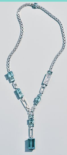 This drop necklace features icy sky-blue aquamarines and brilliant white diamonds set in a bold platinum framework reminiscent of the visual codes of American Art Deco. Gems Jewelry, High Jewelry, Modern Jewelry, Stone Jewelry, Jewelry Sets, Silver Jewelry, Silver Ring, Jewellery, Jewelry Stores
