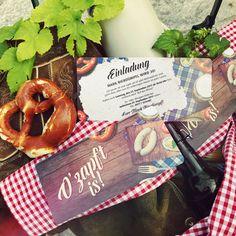 Ladet eure Gäste mit dieser lustigen Einladungskarte zu eurer persönlichen Oktoberfest-Party ein! https://www.gestaltenlassen.com/einladungskarten-zum-fruehschoppen-o-zapft-is.html