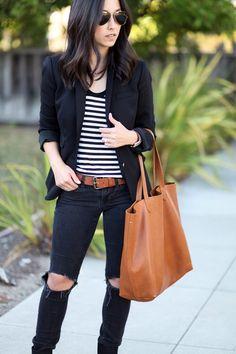 Imagen vía We Heart It https://weheartit.com/entry/147727558 #blackandwhite #brunette #classic #fashion #simple #stripes #sunglasses