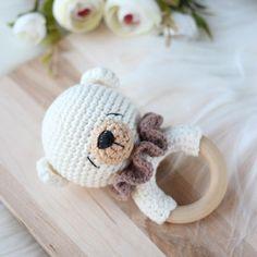 Bear crochet baby rattle / Bear teething toy / Rattle for newborn / Forest themed baby shower / Neutral gender baby gift / Pregnant friend Newborn Toys, Baby Toys, Baby Newborn, Wooden Crates Gifts, Pregnancy Gifts, Teething Toys, Baby Rattle, Crochet Animals, Crochet Dolls