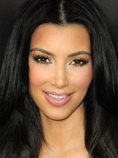 Kim Kardashian Makeup Looks │ 社交名媛金·卡達夏的美妝 – Eyebrows Kim Kardashian Makeup Looks, Kardashian Style, Kardashian Jenner, Gorgeous Makeup, Eye Color, Lip Colors, Pretty Face, Wedding Makeup, Hair Makeup