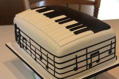 Piano Birthday Cake.. Music Themed Cakes, Music Cakes, Bolo Musical, Piano Cakes, Music Theme Birthday, Pinterest Cake, Birthday Cakes For Men, Amazing Wedding Cakes, Specialty Cakes