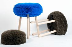 PAPA #stool by Rémi Bouhaniche and Amaury Poudray for Studio USIN-e is made of synthetic fibers, horsehair (which I'm not so sure about and I wish was faux) and wood.