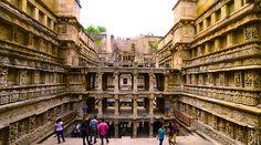 """Gujarat – Bijoux dans l'Ouest : L'état du Gujarat, justement appelé le «joyau de l'Ouest"""", a des choses incroyables pour tout le monde dans son environnement. On peut faire escale au Gujarat des escapades pour découvrir la faune à Gir, sous le soleil tranquille des vacances sur le sable des rivages des plages de Gopnath, une expérience touristique inspirant magnifiquement la visite des 863 temples Jain à Palitana ou une visite dans un couvoir avec des œufs de dinosaure au Raiyoli"""