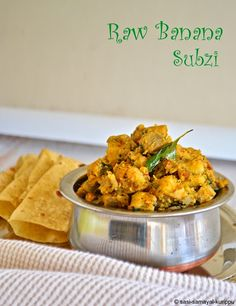 Lip-smacking dry/gravy raw-banana curry with freshly roasted & pound spices. goes well with rice / flatbread. vegan & GF too! Banana Curry, Raw Banana, Green Banana, Banana Recipes Indian, Indian Food Recipes, Ethnic Recipes, Veggie Recipes, Vegetarian Recipes, Cooking Recipes