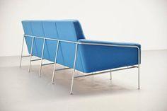 Arne Jacobsen Sofa Model 3300/4 Fritz Hansen, Denmark, 1957 6