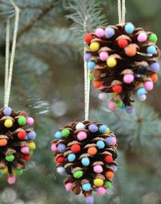 32 DIY Christmas Ornaments That Are Worlds More Special Than Store-Bought - First for Women While you're whipping up some DIY Christmas decorations, don't forget the tree! These holiday crafts will take your spruce from stale to stunning. Diy Christmas Ornaments, Simple Christmas, Kids Christmas, Ornaments Design, Childrens Christmas Crafts, Pinecone Christmas Crafts, Pinecone Ornaments, Christmas Decorations Diy Cheap, Christmas Decoration Crafts