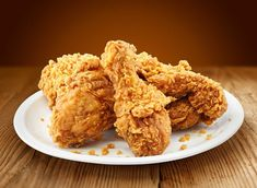 How To Make Better Than KFC Fried Chicken At Home? KFC style Homemade Chicken Drumstick with No Oven. Crispy fried chicken like KFC at Home. Poulet Kentucky, Kentucky Chicken, Kentucky Fried, Bourbon Kentucky, Kentucky Derby, Indian Fried Chicken, Spicy Fried Chicken, Fish And Chicken, Gastronomia