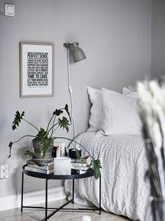 #VinylLaminateFlooring Cozy Bedroom, Home Decor Bedroom, Modern Bedroom, Bedroom Furniture, Diy Home Decor, Bedroom Ideas, Bedroom Wall, Bedroom Boys, White Bedrooms
