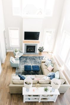 Having small living room can be one of all your problem about decoration home. To solve that, you will create the illusion of a larger space and painting your small living room with bright colors c… Small Living Room Decor, Farmhouse Decor Living Room, Farm House Living Room, Home Decor, Room Inspiration, Room Remodeling, Coastal Living Rooms, Living Decor, Room Layout