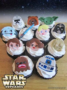 Someone ordered Star Wars cupcakes! And my geeky heart swelled three sizes with excitement. And so, I humbly add my Star Wars cupcakes to the army of Star Wars cupcake invading the internets. Star Wars Party, Star Wars Wedding, Geek Wedding, Star Wars Birthday, Wedding Cake, Wedding Ideas, Star Wars Cupcakes, Cute Cupcakes, Birthday Cupcakes
