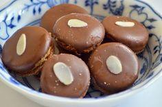Išelské dortíčky recept na skvělé vánoční cukroví. Německý název je Ischler Törtchen podle lázních v Bad Ischlu. Císař František Josef I. je prý miloval.