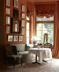 Axel Vervoordt Interior Design/ these valances over my French doors and group of pictures over sofa like this picture. Top Interior Designers, Decor Interior Design, Interior Styling, Interior Decorating, Axel Vervoordt, Kitchen Nook, Best Interior, Decoration, Beautiful Homes