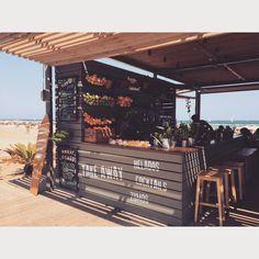 Rum Shop, Beer Shop, Restaurant Identity, Restaurant Design, Juice Bar Design, Food Kiosk, Cool Tree Houses, Beach Cafe, Outdoor Restaurant