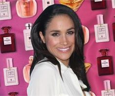Meghan Markle Queen Elizabeth & Other Royals Favorite Perfumes Darken Hair Naturally, How To Darken Hair, How To Grow Natural Hair, Short Hairstyles For Thick Hair, Short Hair Styles, Natural Hair Styles, Castor Oil For Hair, Hair Oil, Meghan Markle